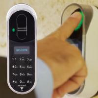 Панель зі сканером відбитків пальців MUL-T-LOCK® ENTR™ Fingerprint